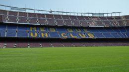 Der FC Barcelona wollte vergangenen Sommer Kylian Mbappé und Ángel di María verpflichten. Keiner der beiden wechselte ins Camp Nou.